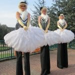 Great-Gatsby-Themed-Stilt-Walkers